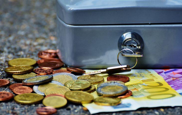 monete banconota e cassaforte
