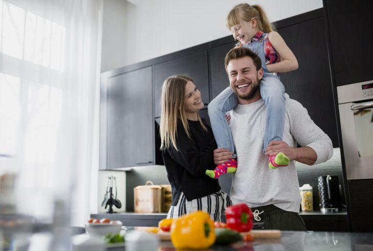due genitori e una bambina