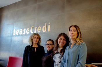 4 donne in un ufficio